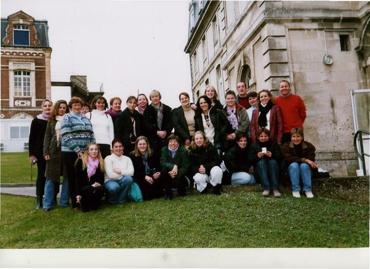 photo de classe aide soignant bernay de 2005  ecole d u0026 39 aides