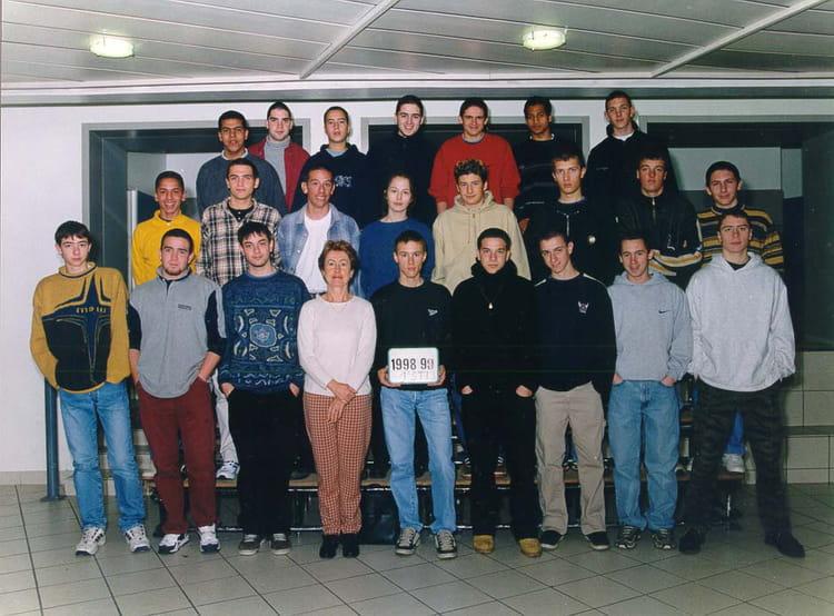 photo de classe 1er sti 3 de 1999 lyc 233 e portes de l oisans copains d avant