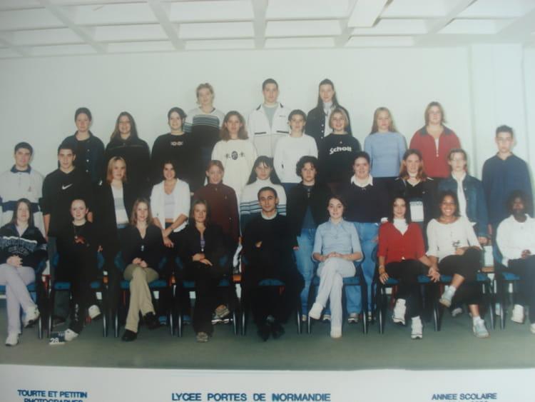 photo de classe 2 mdc de 2001 lyc 233 e porte de normandie copains d avant