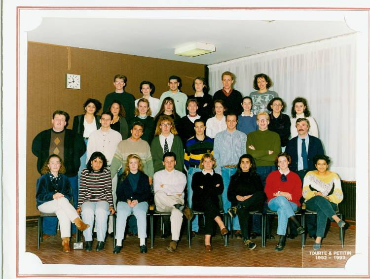 photo de classe bts action commerciale 2e annee de 1993 lyc e pierre forest copains d 39 avant. Black Bedroom Furniture Sets. Home Design Ideas