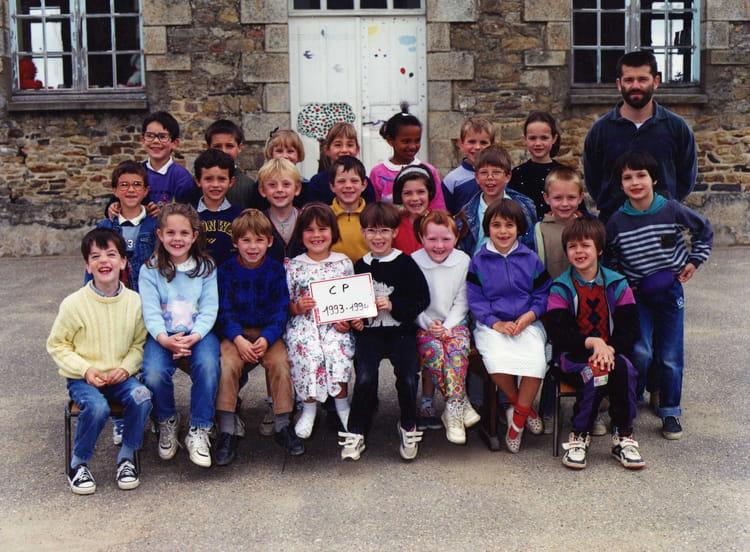 Photo de classe cours pr paratoire de 1993 ecole saint for Bains s oust