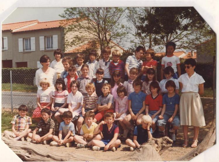 Photo de classe ce2 de 1983 ecole sainte therese les - Cours cuisine la roche sur yon ...