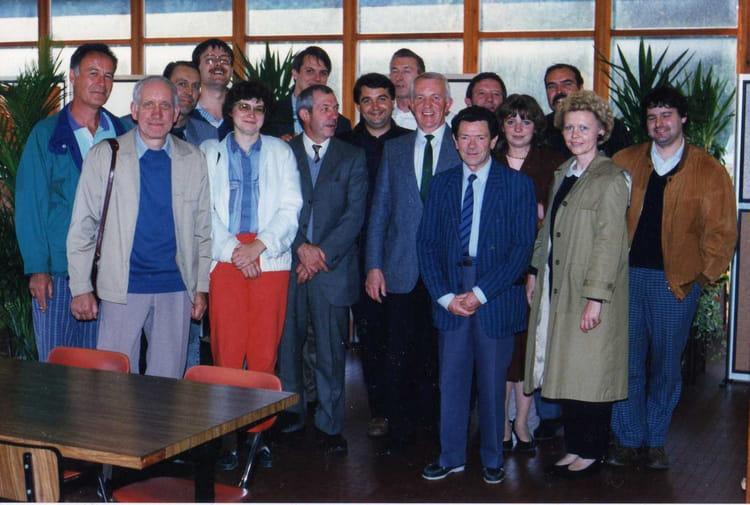 Photo de classe repas entre coll gue et chefs de 1990 cdf for Idee repas entre copain