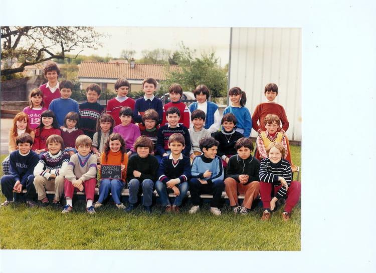 Photo de classe ce2 st georges des gardes de 1983 ecole for Salon o d ange saint georges des gardes