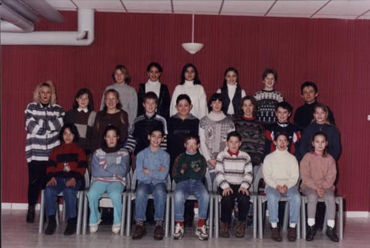 Photo de classe 6  u00e8me 2 de 1995, Coll u00e8ge Alfred Kastler   Copains d u0026#39;avant