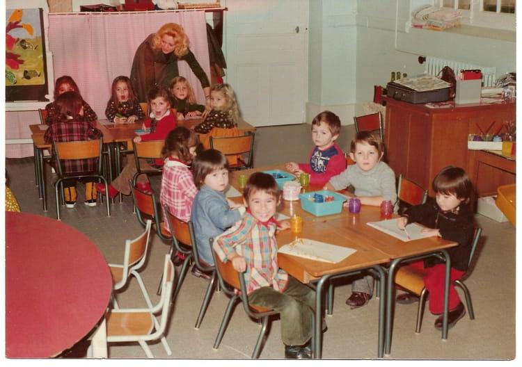 photo de classe maternelle de 1976 ecole la citadelle chalon sur saone copains d 39 avant. Black Bedroom Furniture Sets. Home Design Ideas