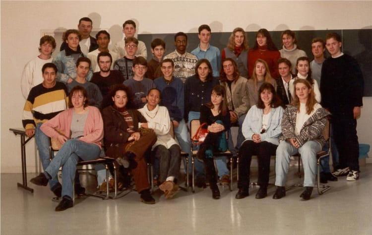 photo de classe ts2 de 1995 lyc e pierre mend s france copains d 39 avant. Black Bedroom Furniture Sets. Home Design Ideas