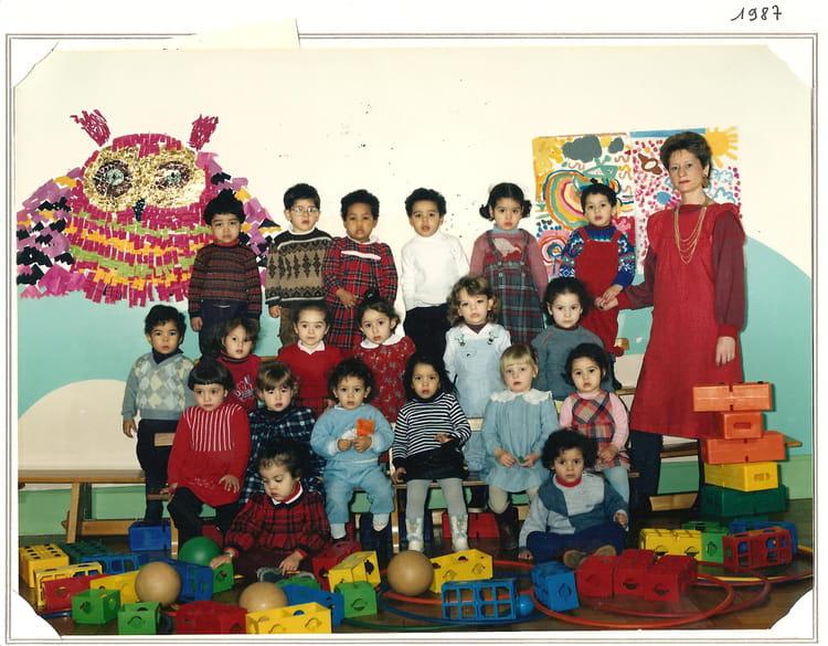 photo de classe cole maternelle tables claudiennes de 1987 ecole des tables claudienne. Black Bedroom Furniture Sets. Home Design Ideas