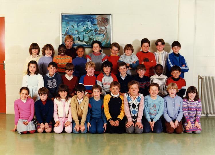 photo de classe cm1 de 1983 ecole primaire publique ren bellanger copains d 39 avant. Black Bedroom Furniture Sets. Home Design Ideas