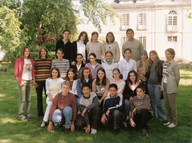 Photo de classe 5eme1 de 2002, Collège Christ-roi Notre-dame-des ...
