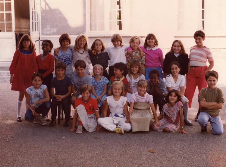photo de classe cm1 de 1985 ecole aujard nemours copains d 39 avant. Black Bedroom Furniture Sets. Home Design Ideas
