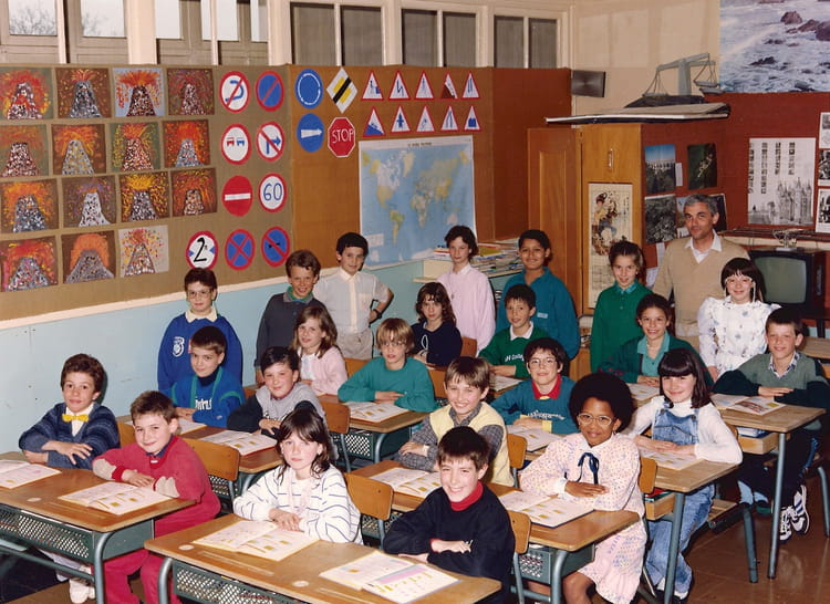 photo de classe cm1 jules ferry savigny sur orge de 1988 ecole jules ferry copains d 39 avant. Black Bedroom Furniture Sets. Home Design Ideas