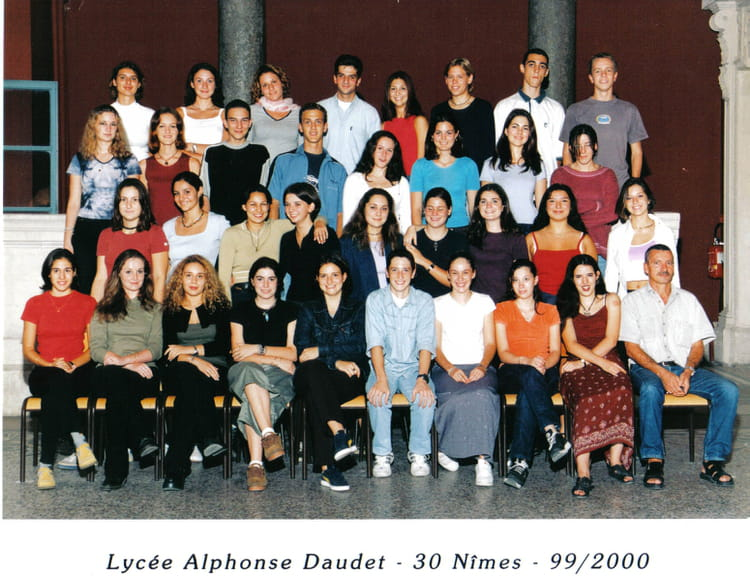 Photo de classe terminale s de 2000 lyc e alphonse daudet for Lycee alphonse daudet