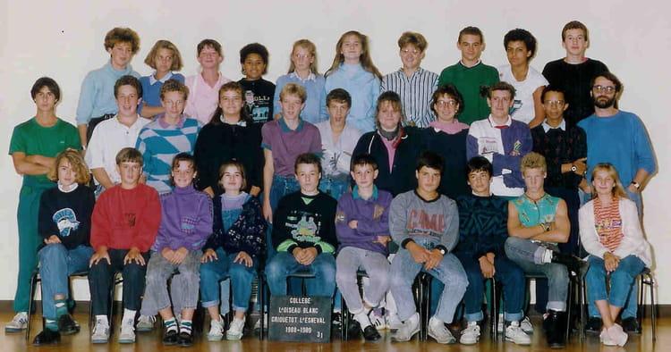 photo de classe 3 eme 1 de 1988 coll ge l 39 oiseau blanc copains d 39 avant. Black Bedroom Furniture Sets. Home Design Ideas