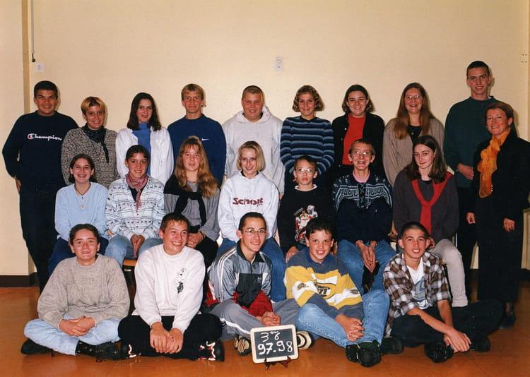 photo de classe 3eme6 de 1997 coll ge l 39 oiseau blanc copains d 39 avant. Black Bedroom Furniture Sets. Home Design Ideas