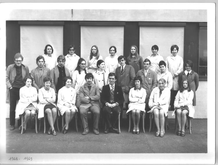Photo De Classe Terminale A De 1969 Lycee Dupleix Copains D Avant
