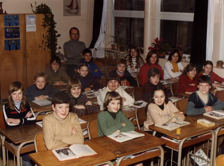 Httpsghiroph Comescudo De Bolivia: De Classe Cm2 De 1976 Ecole Louis Pasteur
