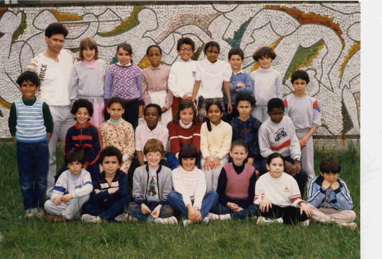 photo de classe casse de ce2 de 1985 ecole jacques solomon copains d 39 avant. Black Bedroom Furniture Sets. Home Design Ideas