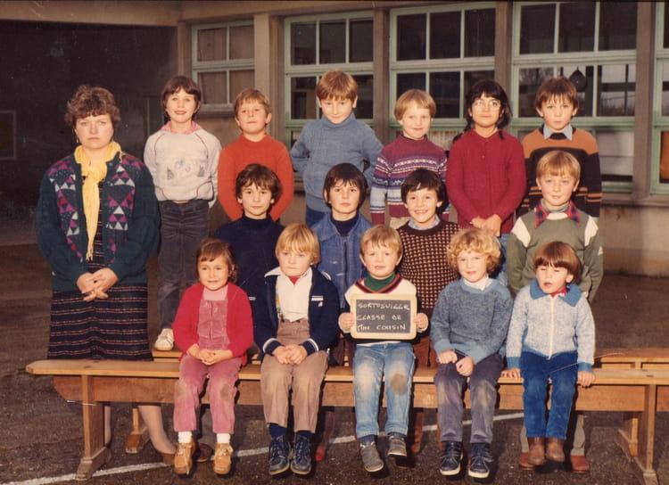 Photo de classe madane cousin de 1982 ecole primaire for A thomas cousins salon