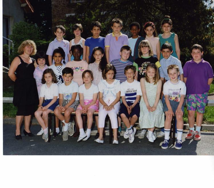 Photo de classe CE2 de 1989, Ecole Hippolyte Cocheris (Sainte Genevieve Des Bois) Copains d'avant # Auto Ecole Sainte Genevieve Des Bois