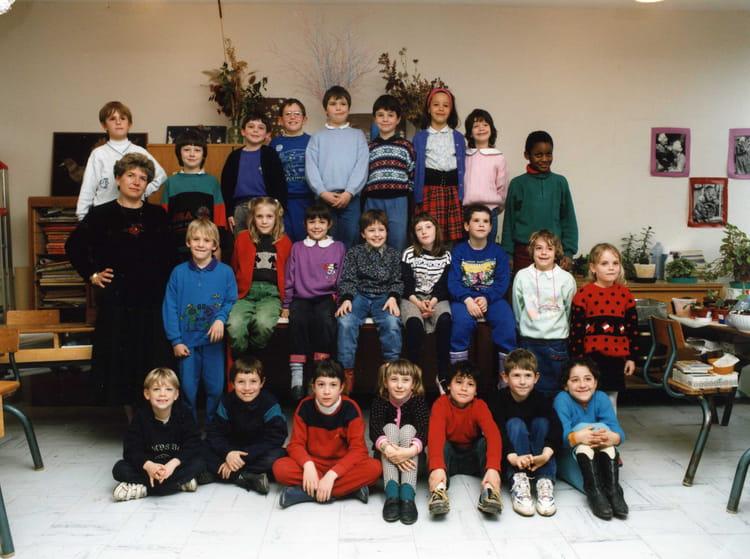 photo de classe ce1 de 1990 ecole louis pasteur brie comte robert copains d 39 avant. Black Bedroom Furniture Sets. Home Design Ideas