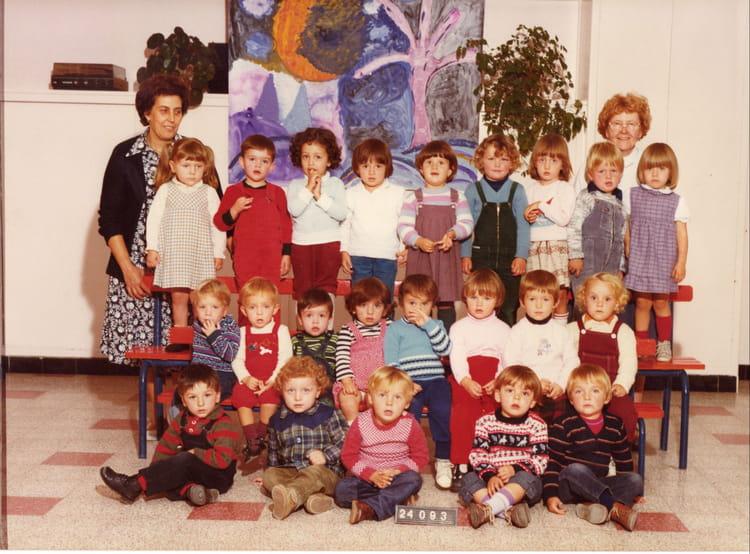 photo de classe maternelle de 1983 ecole henri barbusse douchy les mines copains d 39 avant. Black Bedroom Furniture Sets. Home Design Ideas