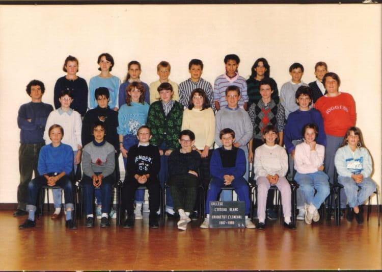 photo de classe 5 me 4 de 1987 coll ge l 39 oiseau blanc copains d 39 avant. Black Bedroom Furniture Sets. Home Design Ideas