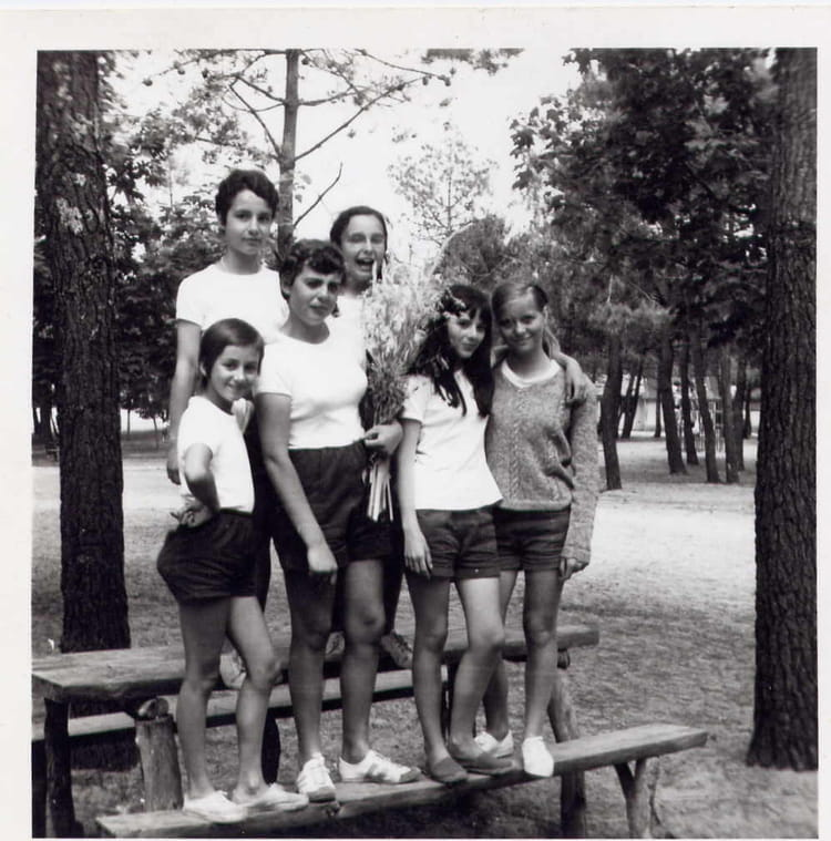 photo de classe quipe de volley ball 1968 bis de 1968. Black Bedroom Furniture Sets. Home Design Ideas