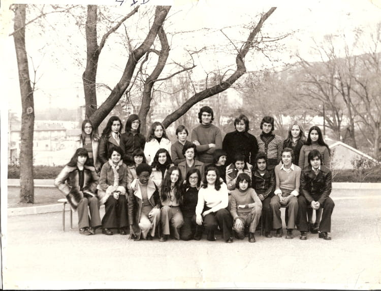 photo de classe 4eme de 1973 college henri barnier copains d 39 avant. Black Bedroom Furniture Sets. Home Design Ideas
