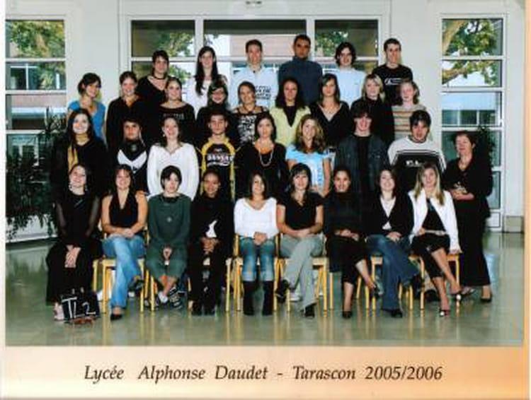 Photo de classe terminale litt raire de 2005 lyc e for Lycee alphonse daudet