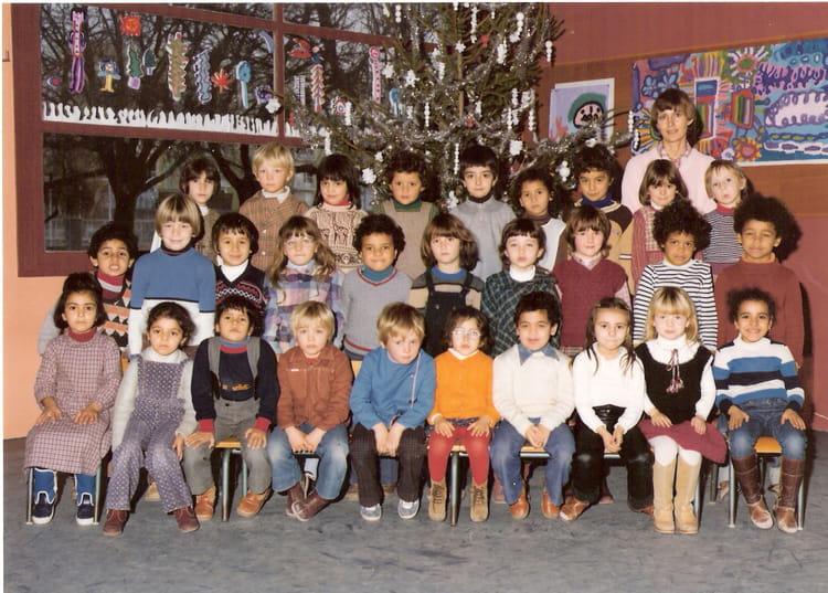 photo de classe maternelle de 1980 ecole grangeneuve montelimar copains d 39 avant. Black Bedroom Furniture Sets. Home Design Ideas