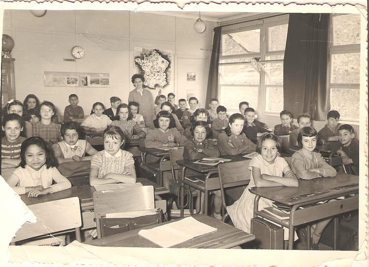 photo de classe cm2 antony croix de berny de 1956 ecole croix de berny copains d 39 avant. Black Bedroom Furniture Sets. Home Design Ideas