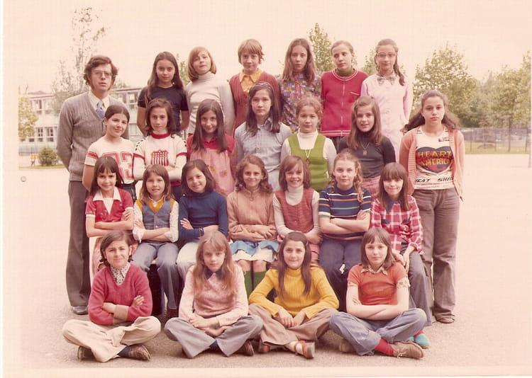 Photo de classe cm2 de 1975 ecole jules valles copains for A thomas cousins salon