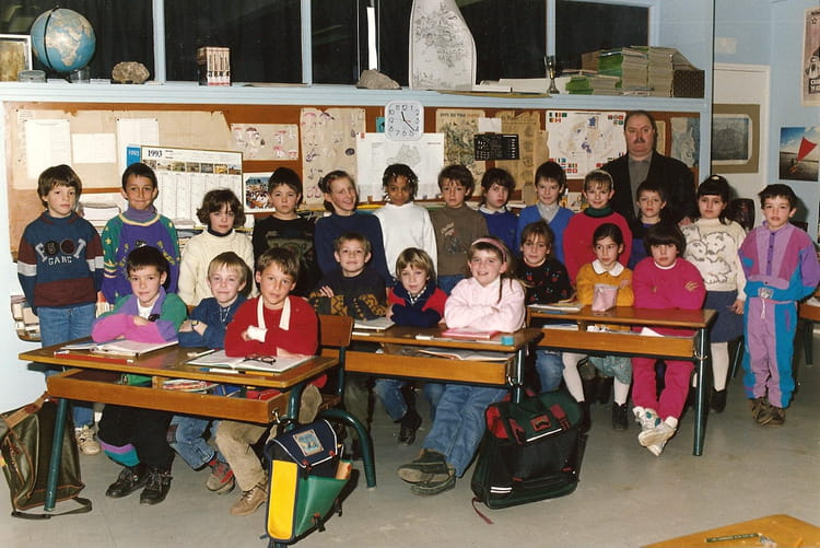 photo de classe ce2 de 1992 ecole cardaillac rodez copains d 39 avant. Black Bedroom Furniture Sets. Home Design Ideas