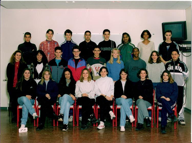 photo de classe premiere stt 11 de 1996 lyc e albert einstein copains d 39 avant. Black Bedroom Furniture Sets. Home Design Ideas