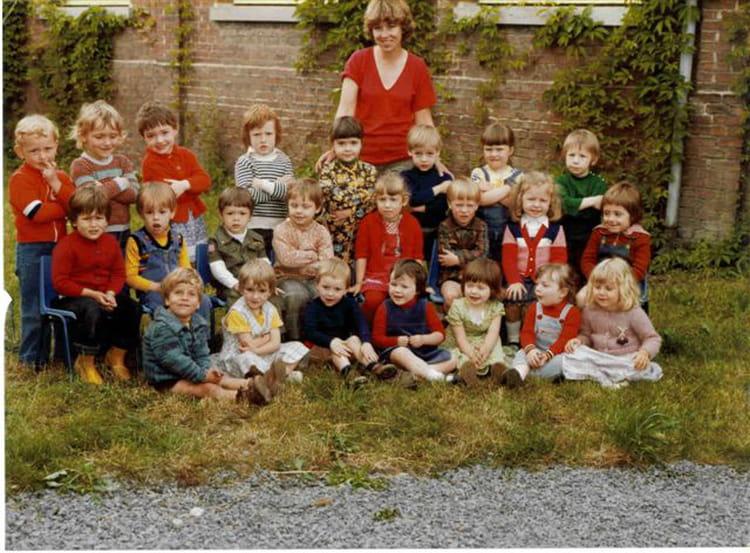 photo de classe maternelle sainghin en m lantois de 1979 ecole publique de sainghin en. Black Bedroom Furniture Sets. Home Design Ideas