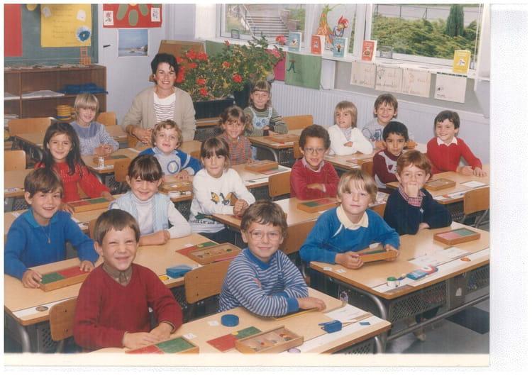 Photo de classe cp 1984 aubergenville de 1984 cole jean - Piscine d aubergenville ...