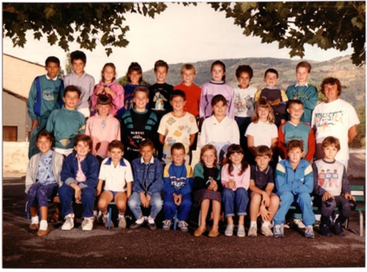 Photo de classe cm2 la roquette st jean de 1988 ecole la for Garage ad la roquette sur siagne
