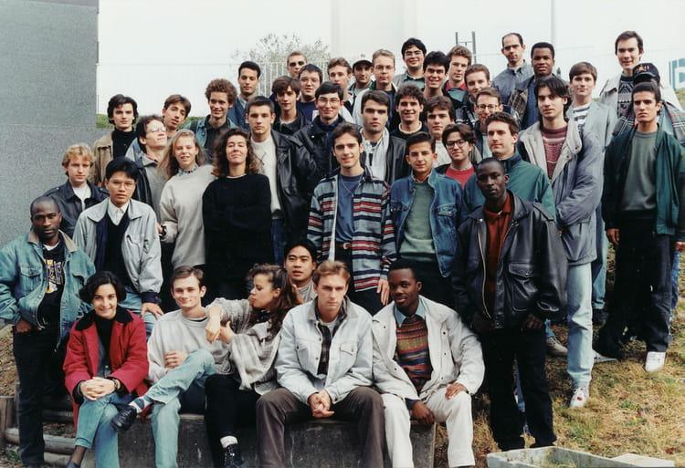 photo de classe gtr 2 me ann e de 1995 iut v lizy universit versailles saint quentin copains. Black Bedroom Furniture Sets. Home Design Ideas
