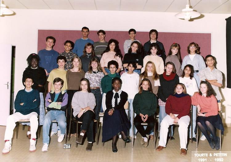 photo de classe 3 me de 1992 coll ge les grands champs copains d 39 avant. Black Bedroom Furniture Sets. Home Design Ideas
