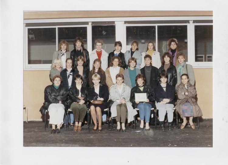 photo de classe lyc e edouard gand amiens bts ts2sa de 1989 lyc e edouard gand copains d 39 avant. Black Bedroom Furniture Sets. Home Design Ideas