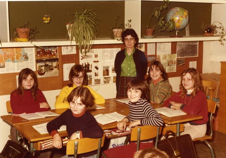 photo de classe cm2 de 1975 ecole compayre meaux copains d 39 avant. Black Bedroom Furniture Sets. Home Design Ideas