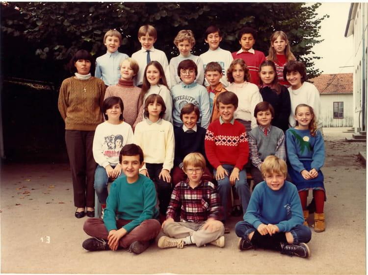 photo de classe cm2 de 1984 ecole assomption saint dizier copains d 39 avant. Black Bedroom Furniture Sets. Home Design Ideas