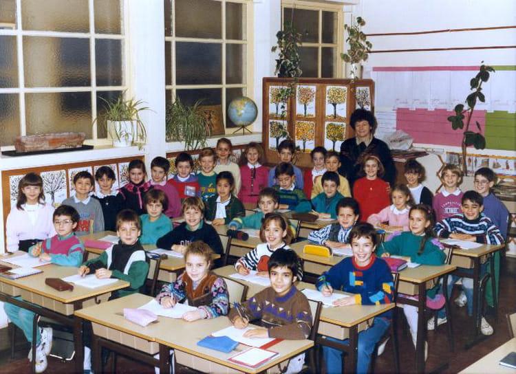 Photo de classe CE2 Mme Pirou de 1989, Ecole Romain Rolland (Sainte Genevieve Des Bois  # Auto Ecole Sainte Genevieve Des Bois