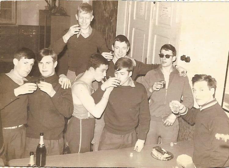 Photo de classe service militaire de 1970 caserne turenne bureau de