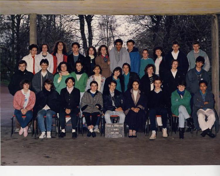 photo de classe 2de 91 de 1985 lyc e albert schweitzer copains d 39 avant. Black Bedroom Furniture Sets. Home Design Ideas