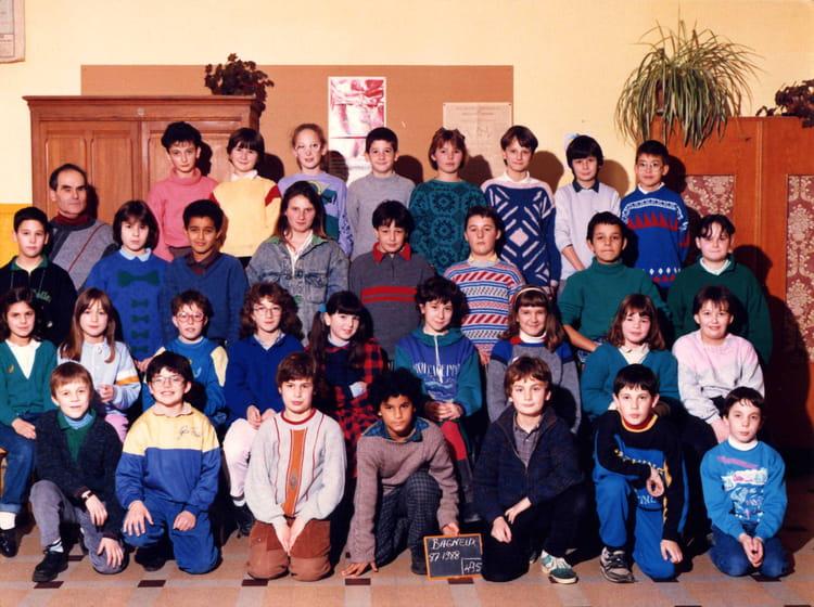 photo de classe cm2 de 1987 cole primaire copains d 39 avant. Black Bedroom Furniture Sets. Home Design Ideas