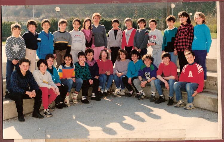 Photo de classe 6eme a saint jean de soudain de 1987 coll ge les dauphins - Comptoir de famille la tour du pin ...