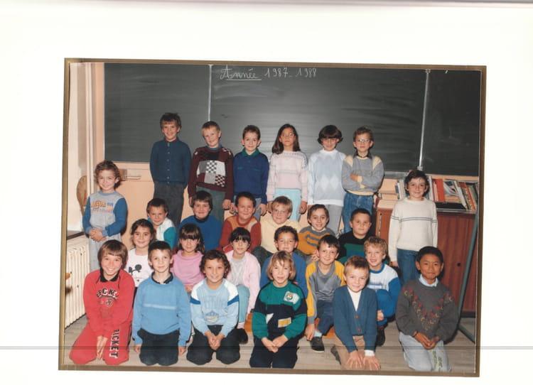 Photo de classe Dampierre les bois 87 88 de 1987, Ecole De La Place (Dampierre Les Bois  # Dampierre Les Bois