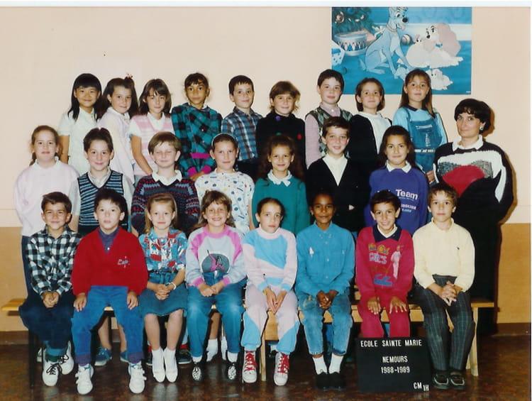 photo de classe cm1 1988 1989 de 1988 ecole sainte marie nemours copains d 39 avant. Black Bedroom Furniture Sets. Home Design Ideas